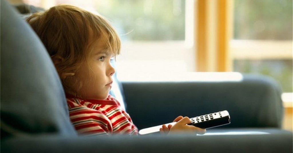 Covid- 19: Γιατί τα παιδιά δεν πρέπει να βλέπουν τηλεόραση
